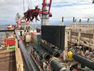 Трубоукладчик Allseas Solitaire прокладывает трубы для Nord Stream 2 в Балтийском море