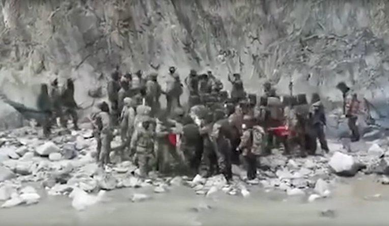 Китайские и индийские пограничники сошлись в рукопашном бою