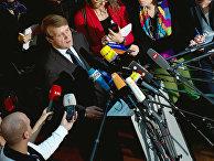 Рональд Пофалла отвечает на вопросы журналистов