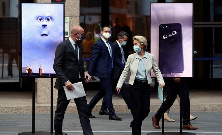 Председатель Европейского совета Шарль Мишель и председатель Европейской комиссии Урсула фон дер Ляйен после видеоконференции с участием Ангелы Меркель, Брюссель, Бельгия