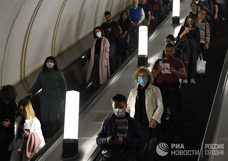 Мэр Москвы С. Собянин напомнил о необходимости носить маски в общественных местах
