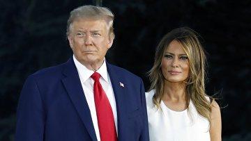 Президент США Дональд Трамп с супругой Меланией