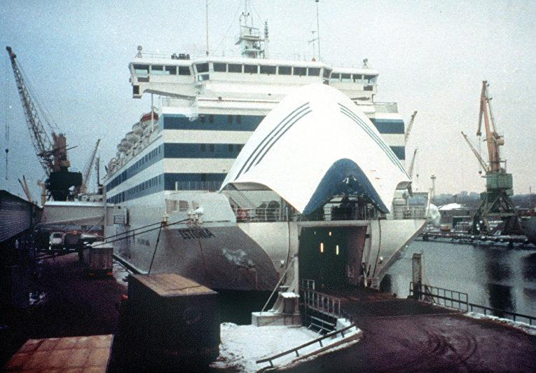 Паром «Эстония» вСтокгольмском архипелаге