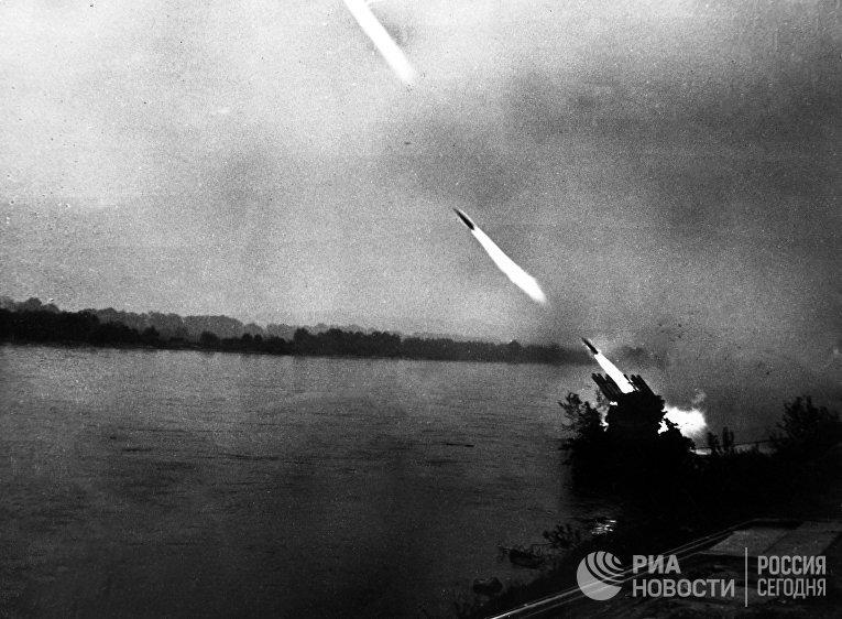 """Боевая машина реактивной артиллерии """"Катюша"""""""