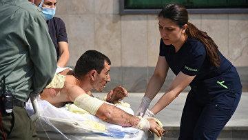 Пострадавший во время столкновений в Нагорном Карабахе