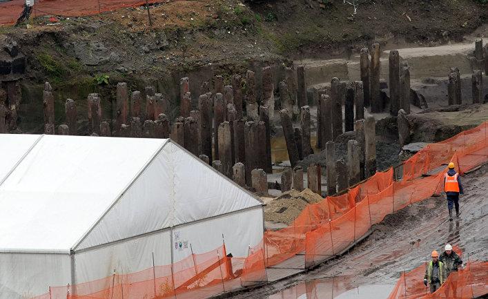 Археологические работы наплощадке строительства общественно-делового центра «Охта-центр». Площадка расположена наместе древней крепости Ниеншанц