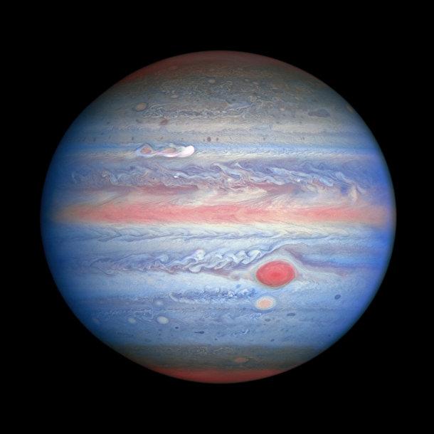 Юпитер, сфотографированный в ультрафиолете