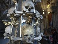 Кладбищенский костел Всех Святых с костехранилищем в пригороде Кутна Горы в Седлеце
