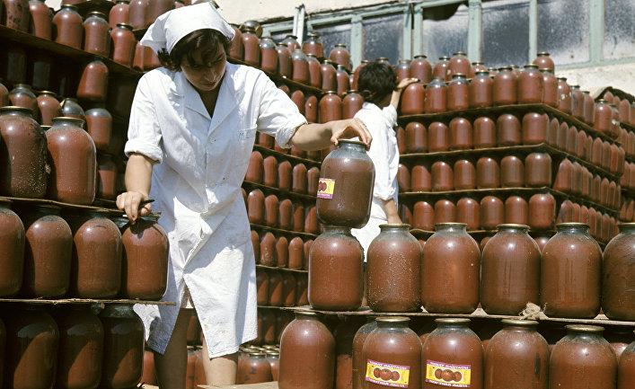 Продукция Ленкоранского плодоовощного консервного завода