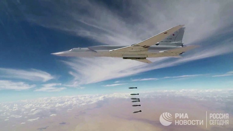 Авиаудары бомбардировщиками Ту-22М3 ВКС РФ по объектам террористов в провинции Дейр-эз-Зор. 1 ноября 2017
