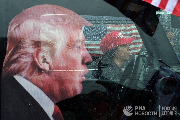 Автопробег сторонников Трампа в Нью-Йорке