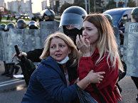 Сотрудники милиции и участники акции протеста в Минске