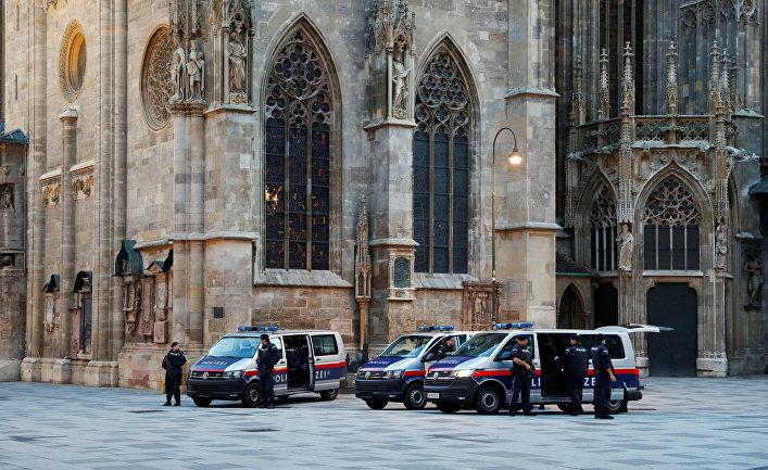 3 ноября 2020. Австрийская полиция после стрельбы в Вене