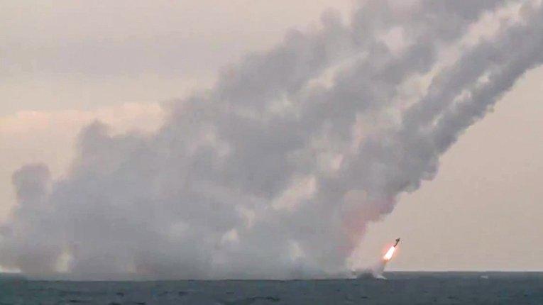 """Пуск из подводного положения крылатых ракет """"Калибр"""""""