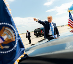 President Donald J. Trump waves