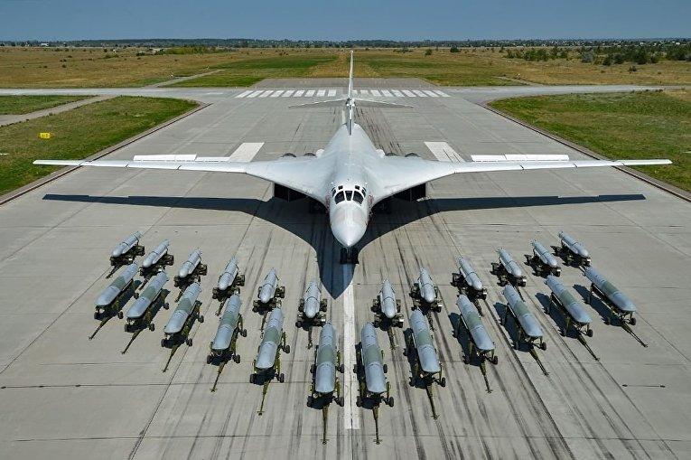 Ту-160 со своими средствами поражения