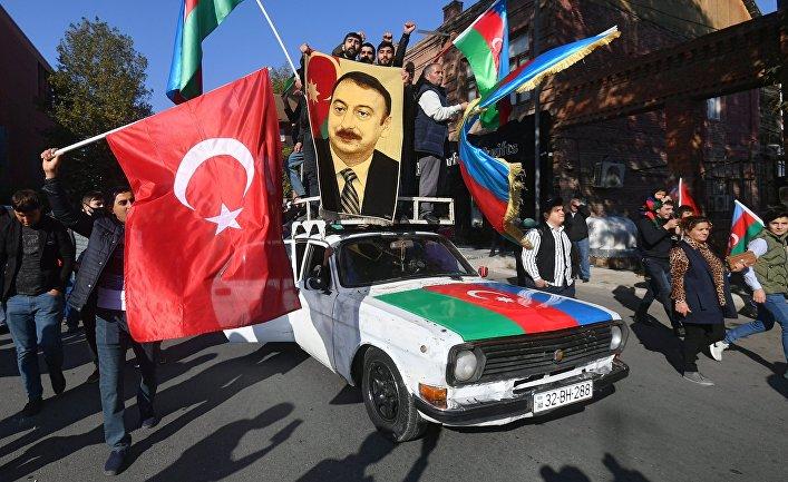 Ситуация в Азербайджане после принятия совместного заявления РФ, Азербайджана и Армении о прекращении огня в Карабахе