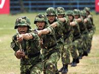 Китайские солдаты на тренировке