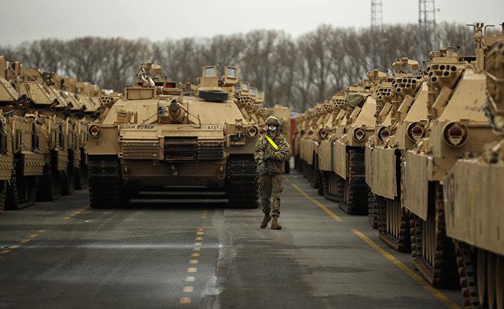 Американская военная техника в порту Антверпена, Бельгия