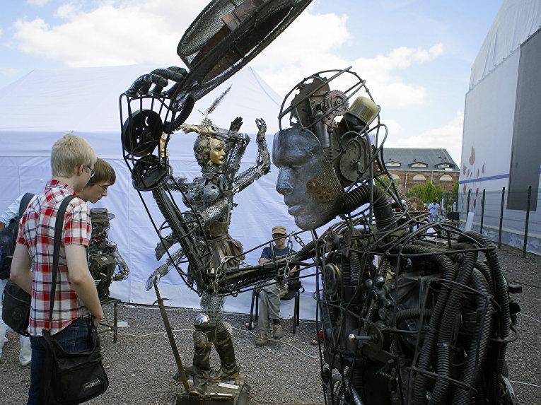 Фестиваль IT-технологий Geek Picnic в Новой Голландии