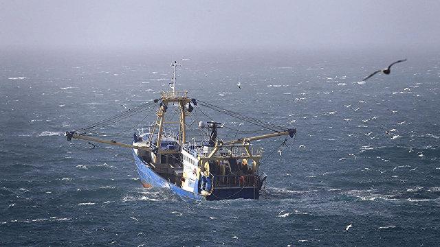 The Guardian (Великобритания): четыре корабля ВМС будут охранять рыболовные угодья Великобритании в случае Брексита без сделки