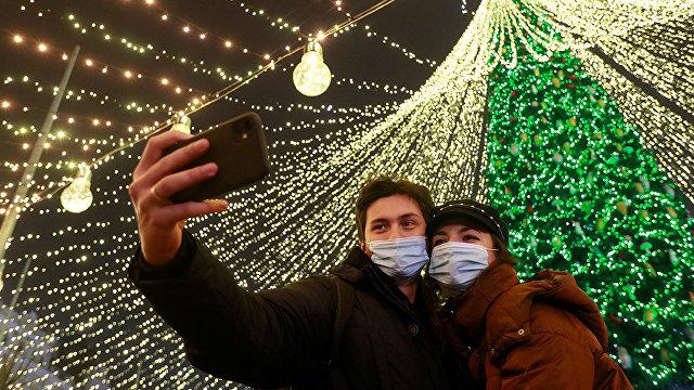 Все, как у старшего брата: Украина скопировала прошлогоднюю елку в Москве (Главред, Украина)