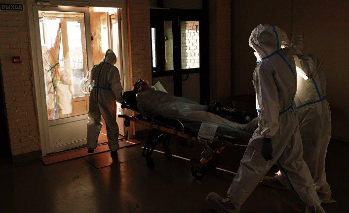"""Работа временного госпиталя для больных коронавирусом в """"Ленэкспо"""""""
