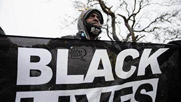 Протестующий в Колумбусе, штат Огайо, США