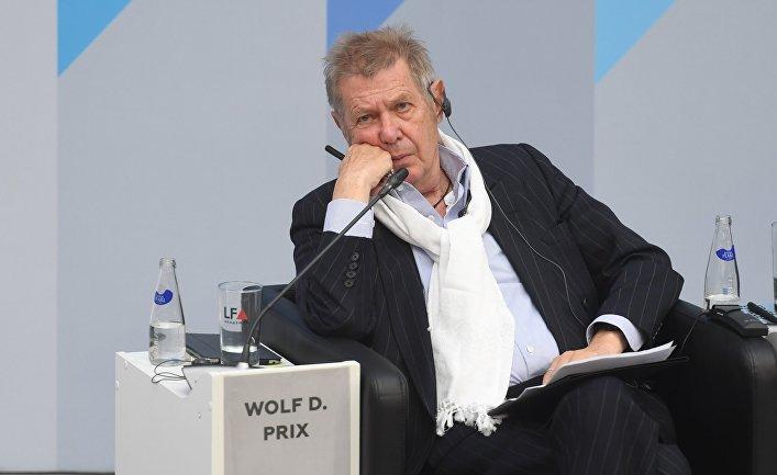 Австрийский архитектор, один из основоположников деконструктивизма, сооснователь и директор COOP HIMMELB(L)AU Вольф Прикс