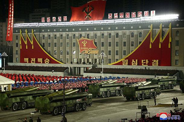 Военный парад в честь VIII съезда Трудовой партии в Пхеньяне