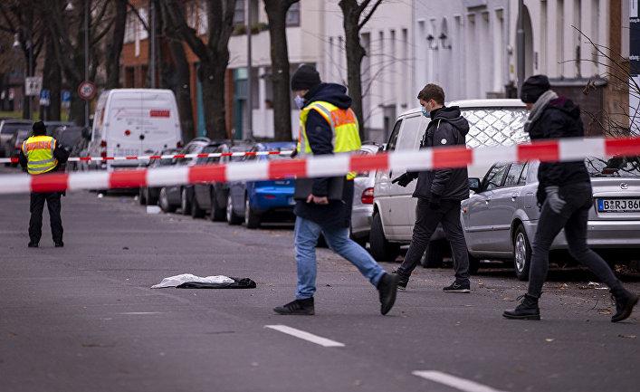 Полицейские на месте преступления в берлинском районе Кройцберг