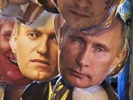 Маски известных политиков в сувенирном магазине в Санкт-Петербурге