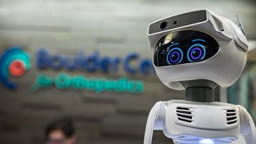 Персональный робот на выставке CES