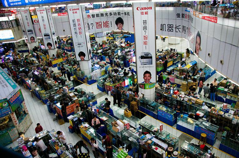 Рынки электроники Хуачанбей в городе Шэньчжэнь, Китай