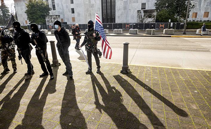 Вооруженные участники акции протеста в США