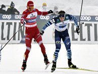 Финский лыжник Йони Мяки подрезает россиянина Александра Большунова