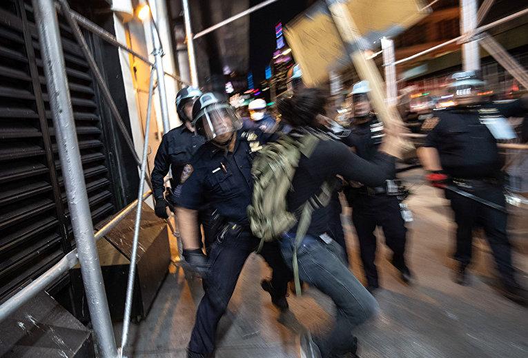 Беспорядки в Нью-Йорке