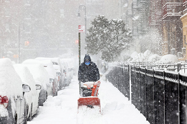 Уборка снега в Ню-Йорке
