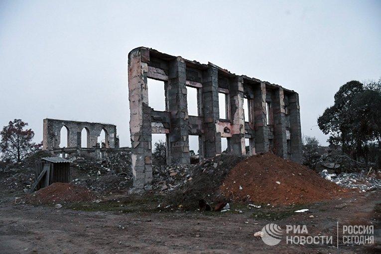 Разрушенные дома в Агдаме