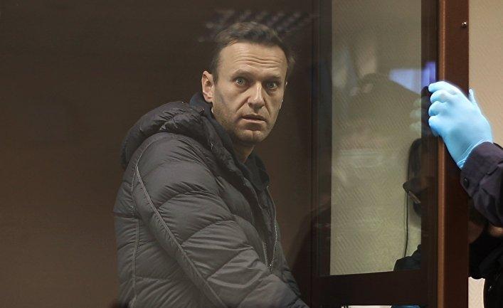 Заседание по делу А. Навального,  обвиняемого в клевете в отношении ветерана