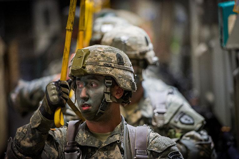 Американские солдаты воздушно-десантных войск