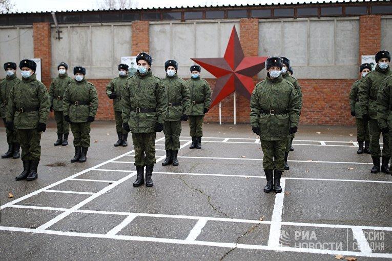Отправка призывников на службу в Президентский полк