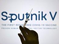 """Шприц на фоне логотипа """"Спутник V"""""""