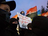 Акция националистов в Киеве в поддержку закрытия оппозиционных телеканалов