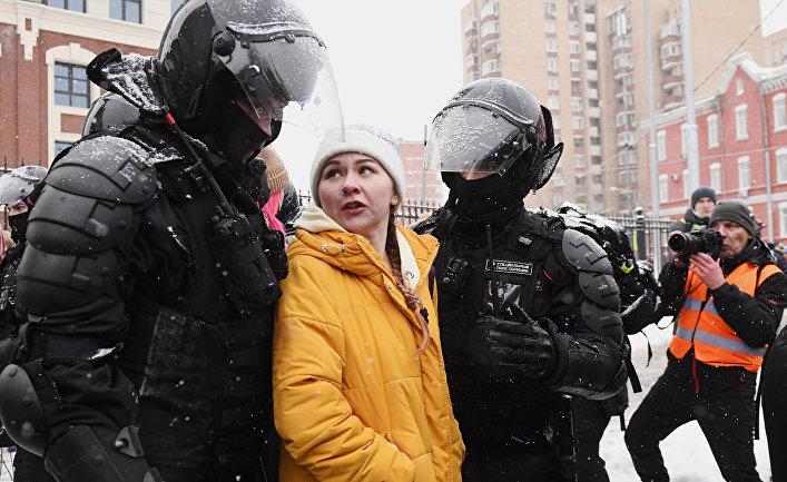 New Statesman (Великобритания): почему россияне по-прежнему отдают предпочтение путинской стабильности, а не революции Навального