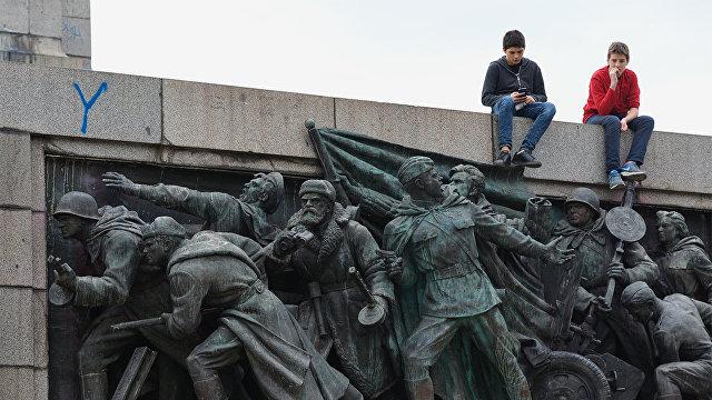 Факти (Болгария): зачем отправлять детей на военную подготовку, если не готовишься к войне