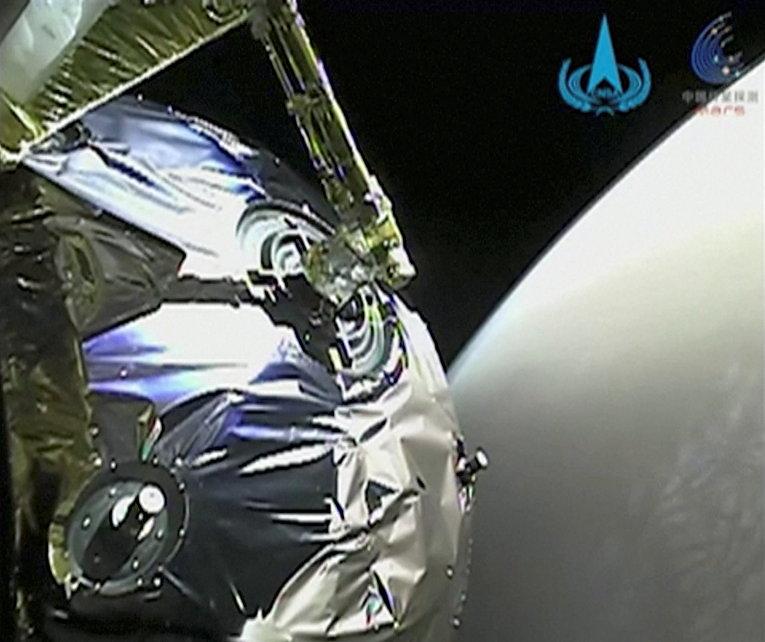 Китайский зонд «Тяньвэнь-1» на орбите Марса