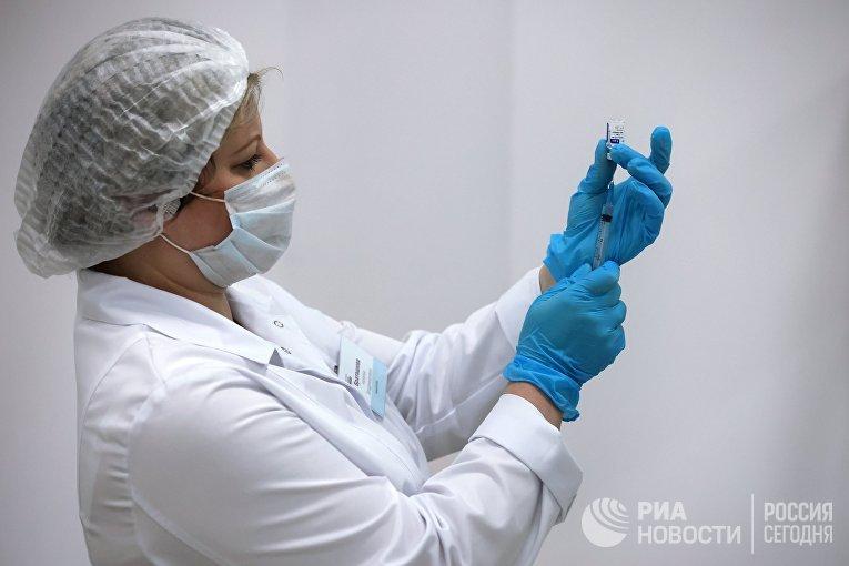 """Пункт вакцинации от COVID-19 в ТРЦ """"Гагаринский"""""""
