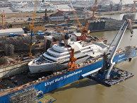Строительство яхты «Солярис» на судоверфи «Ллойд Верфт»