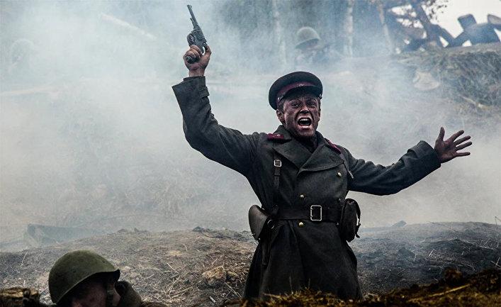 """Кадр из фильма """"Подольские курсанты"""""""